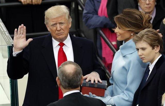 تصویر از دموکرات ها: ترامپ سوگند خود را شکسته است