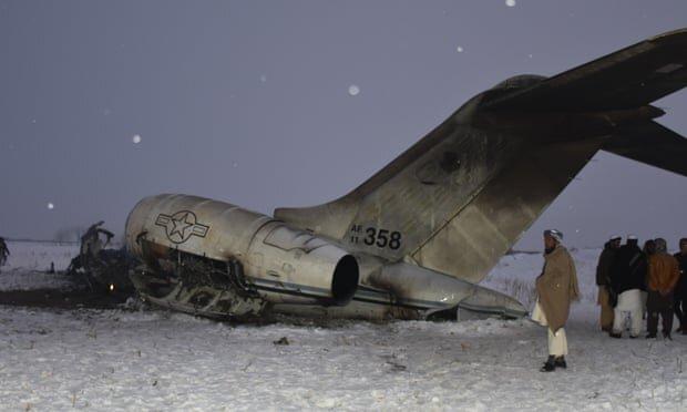 Photo of هویت دو نظامی کشته شده در سقوط هواپیما در غزنی اعلام شد