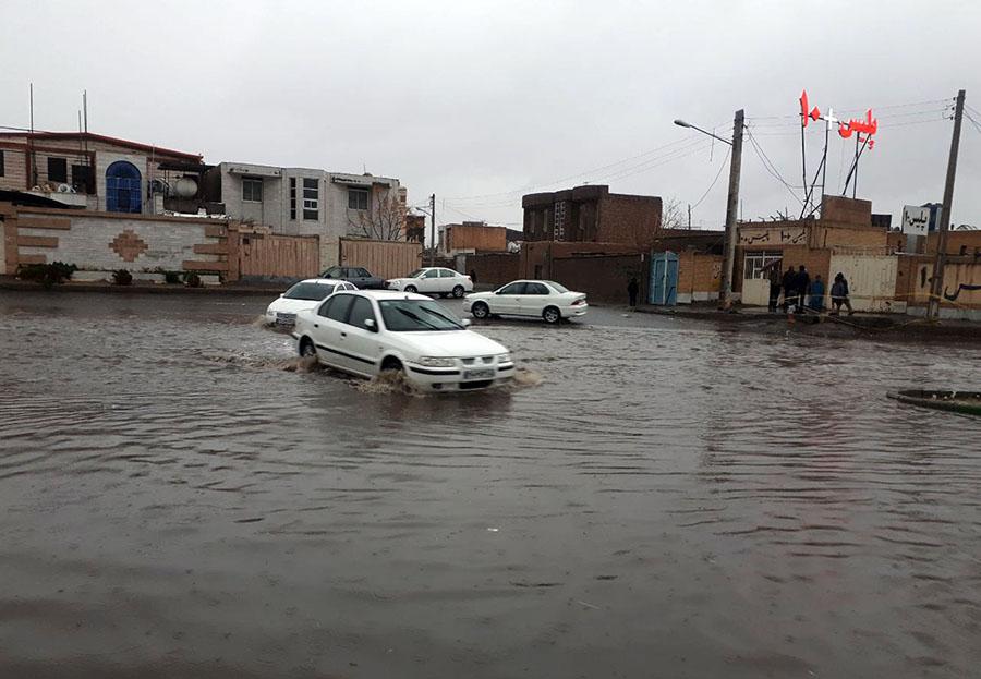 تصویر از شهر خاش وضعیت بحرانی به خود گرفت