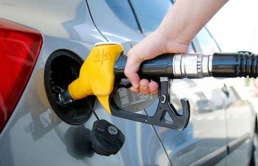 تصویر از یک بام دو هوای سهمیه ۶۰ لیتری بنزین نوروزی در مجلس و دولت