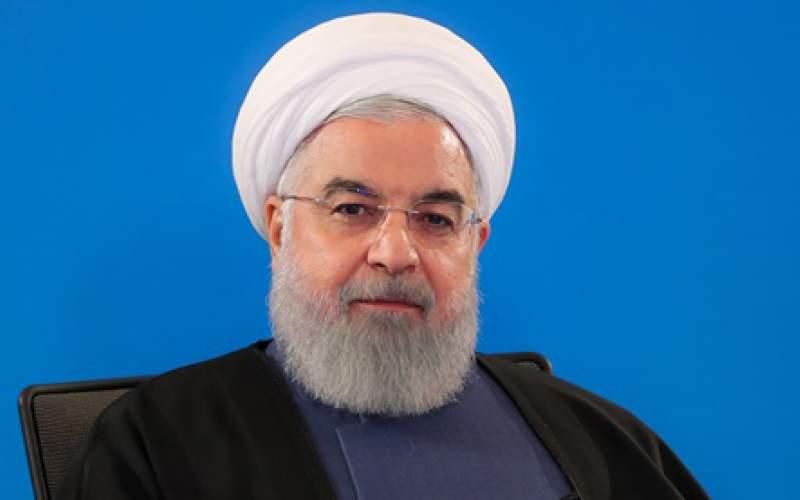 تصویر از روحانی: میترسم کمکم ساندویچ فروشیها و بقالیها هم دوقطبی شوند