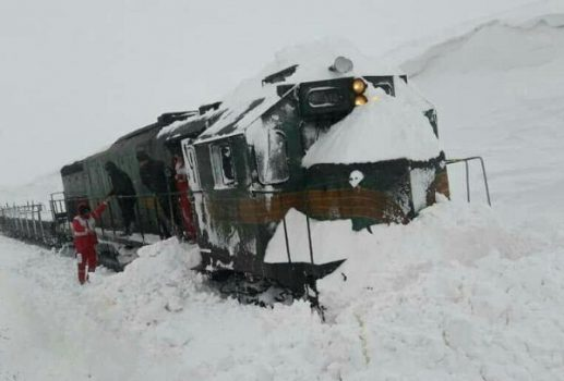 برخورد قطار با برف حادثه آفرید