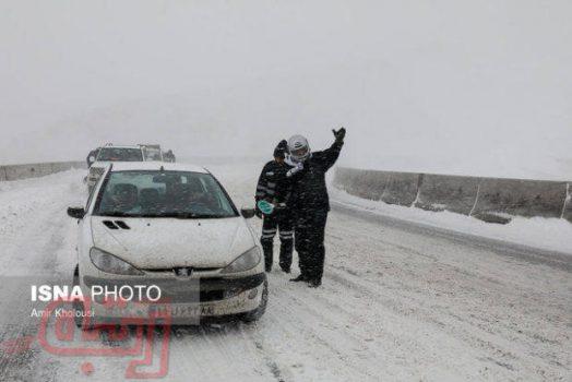 برف به سمنان رسید؛ باد و بوران ۴ جاده سمنان را مسدود کرد