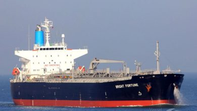 تصویر از لنگر انداختن اولین نفتکش ایرانی در ونزوئلا؛ مادورو تشکر کرد