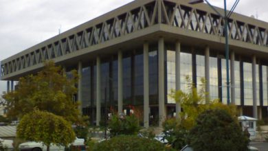 تصویر از ساختمان شیشهای صداوسیما طعمه حریق شد