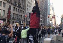 Photo of تظاهرات هزاران نفری در نیویورک علیه تبعیض نژادی در آمریکا