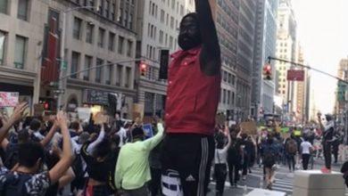 تصویر از تظاهرات هزاران نفری در نیویورک علیه تبعیض نژادی در آمریکا