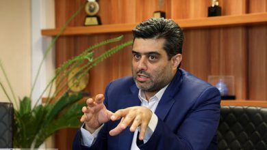 تصویر از آیا رَپرها در ایران مجوز میگیرند؟
