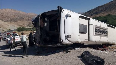 تصویر از واژگونی یک دستگاه اتوبوس در اتوبان کرج| یک تن کشته و ۲۷ تن مجروح شدند