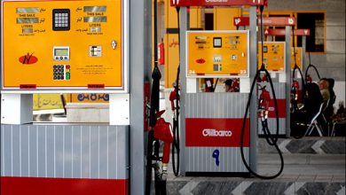 تصویر از دزدی بنزین در روز روشن