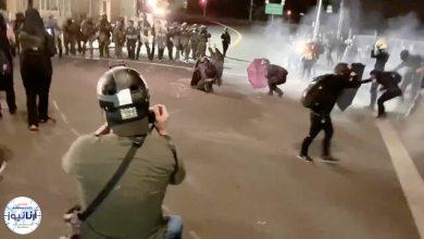 تصویر از معترضان ساختمان پلیس در پورتلند را به آتش کشیدند