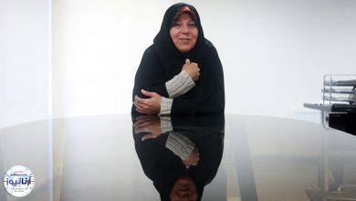 تصویر از فائزه هاشمی مطرح کرد: سیاسیها اول خیانت میکنند بعد میگویند «پرستو» بود